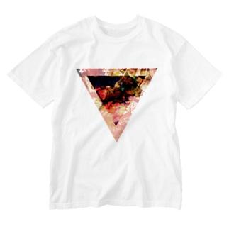 【三角形の穴】の▼3【逆三角形の穴】 Washed T-shirts