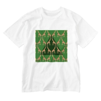 KISSING GIRAFFES Washed T-shirts