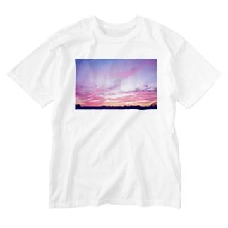Pink Sunset sky Washed T-shirts