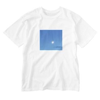 月と雲 Washed T-Shirt