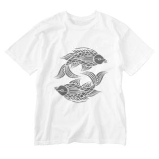 沖縄の風♪ 壷屋焼風双魚文(濃) Washed T-shirts