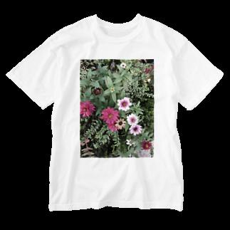 Mika Nomuraの綺麗な花 Washed T-shirts
