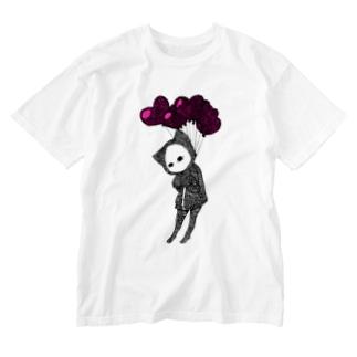 愛、苦しい キズねこ Washed T-shirts