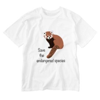 レッサーパンダ 絶滅危惧種を守ろう Washed T-Shirt