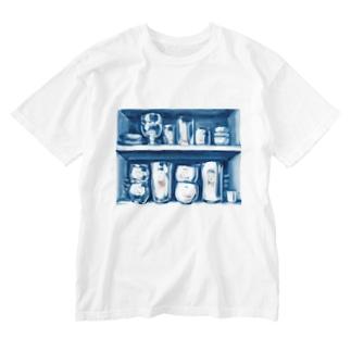 出口えりの昼の戸棚は案外暗い Washed T-Shirt