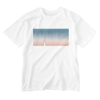 kyoto tower Washed T-shirts