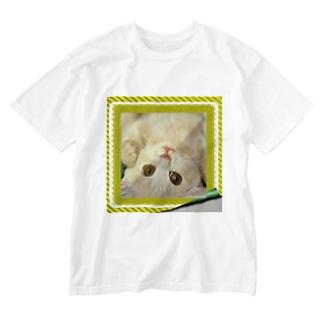 逆さニャンコ(クッキー) Washed T-Shirt