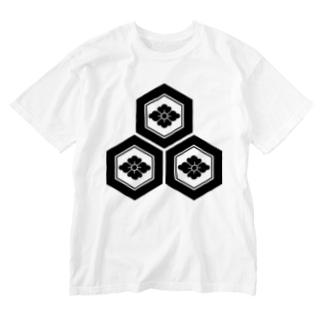 三つ盛り亀甲に花菱紋(浅井長政)黒 Washed T-shirts