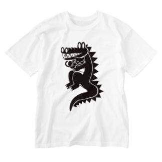 ワニ猫抱っこ Washed T-Shirt