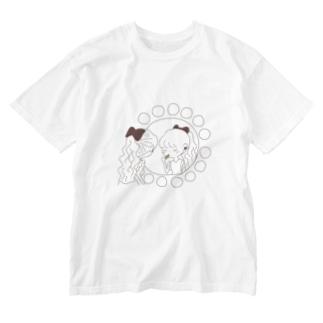 レトロな紅茶ちゃん ドレッサーの前でお化粧 Washed T-shirts