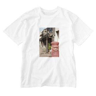 レトロな街並み Washed T-shirts