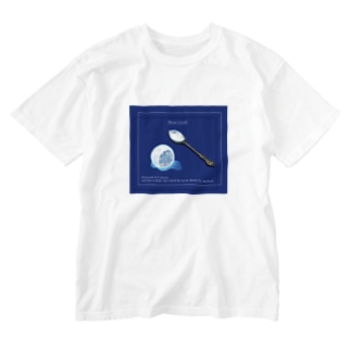 The moon on a rainy night Washed T-shirts