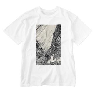 口紅の染みを  し ど ろ も ど ろ  弁解する彼氏  Washed T-shirts