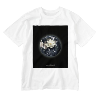 Mother Earth  Washed T-shirts