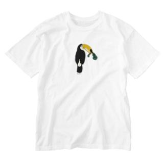 ウクレレを壊したトゥカ Washed T-shirts
