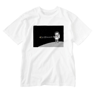 宇宙服を着た宇宙人 Washed T-shirts