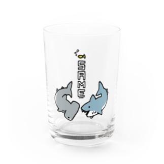 らくがきシリーズ-サメさんとシュモクザメさん Water Glass