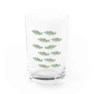 wow…hani? 2。 Water Glass