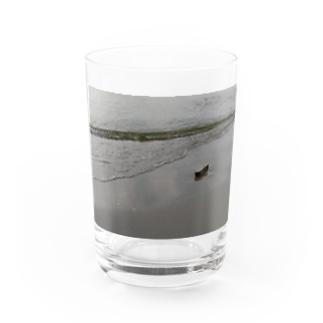 漂着 Water Glass
