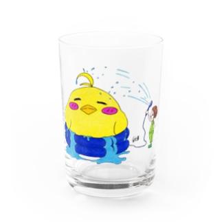 ヒヨコと水浴び Water Glass
