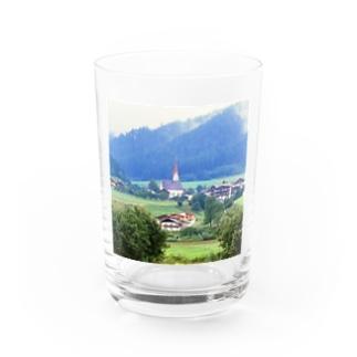 ドイツ:山岳地方の風景写真 Germany: view of a mountain village Water Glass