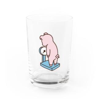 体重を気にするブタ(カラー) Water Glass