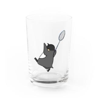 【背面プリント】バドミントンをするペントロー Water Glass