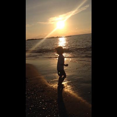 夕陽と少女
