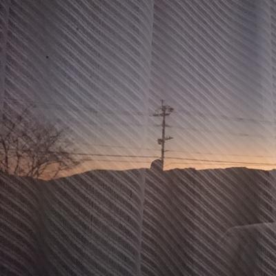 窓の中の朝焼け。series