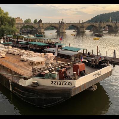 プラハの船