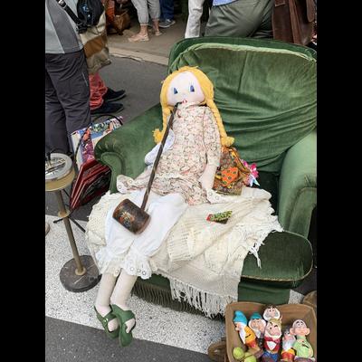 蚤の市の人形