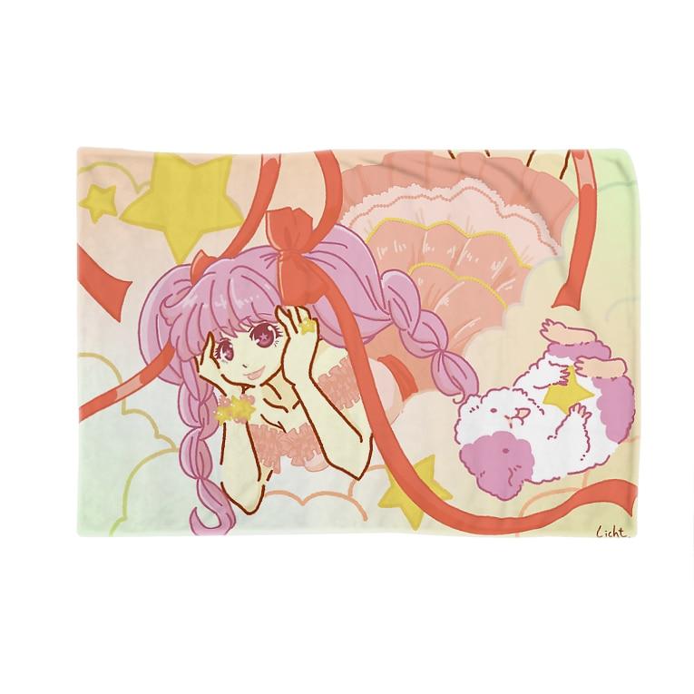 Lichtmuhleのゆめかわ少女とモルモット Blankets