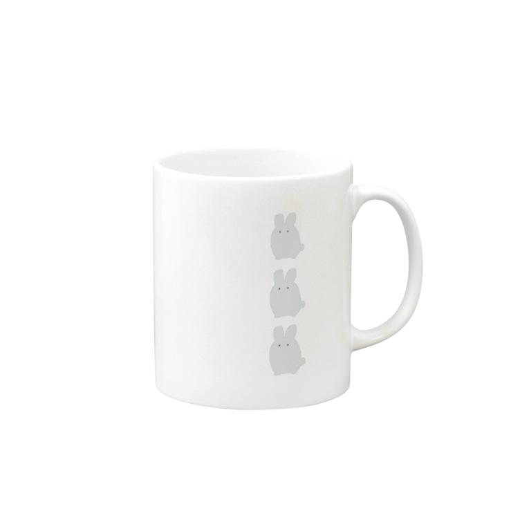 なでしこ@デザインのグレーうさぎ3羽 Mugs