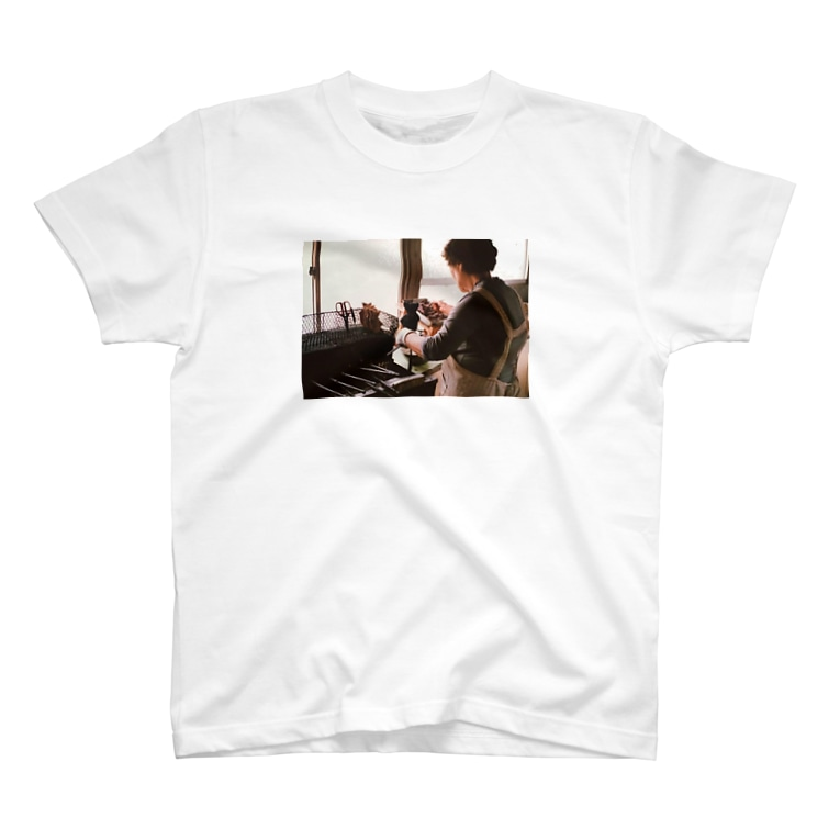 たいやき美角屋のたい焼きを焼いてるばあば T-shirts