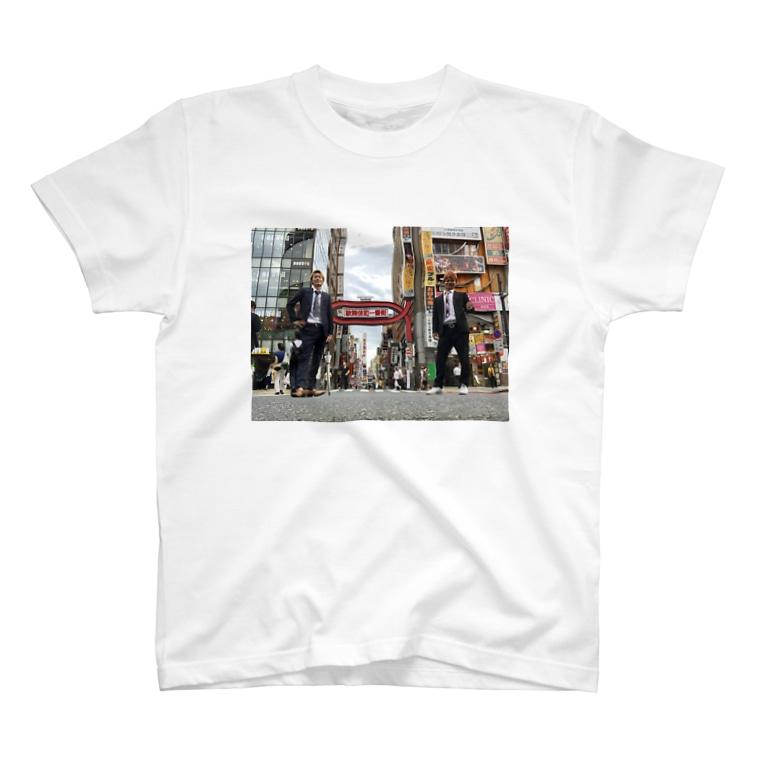 船橋ニュースペーパーの歌舞伎町の女 T-shirts