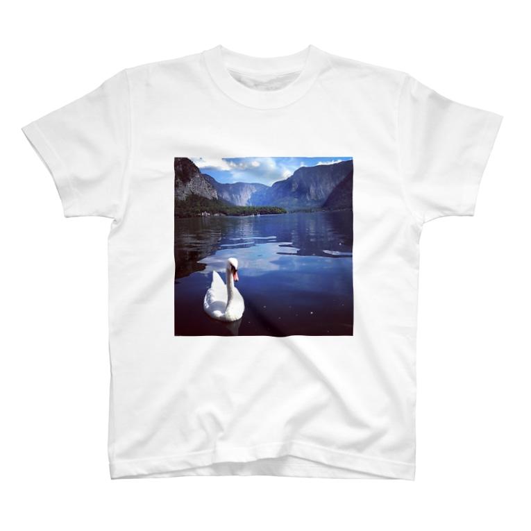 桜と月の白鳥 T-shirts