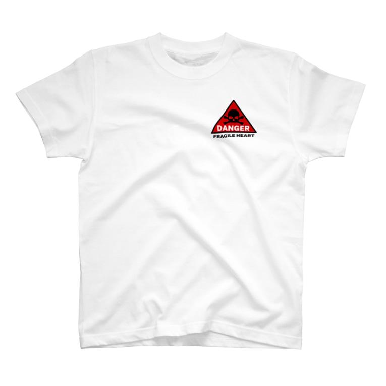 PB.DesignsのFRAGILE HEART -red- T-shirts