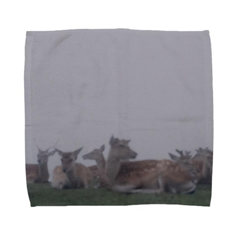 PORTONE, ART, LABORATORY.のFog and deer II Towel handkerchiefs